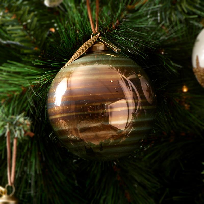 Christmas voyage ornament dia 10