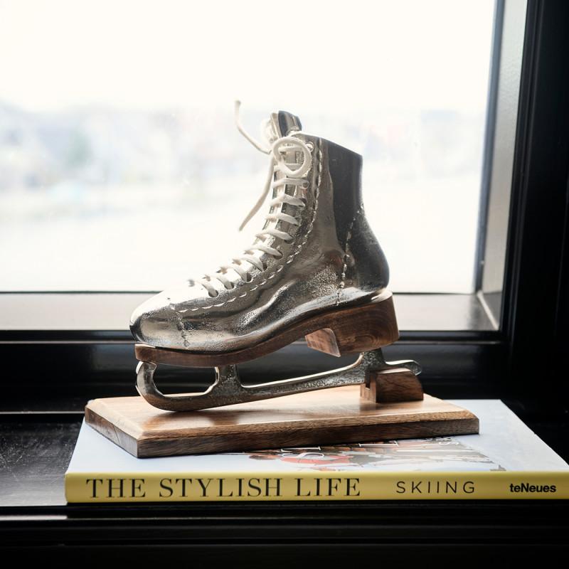 Lovely ice skate statue