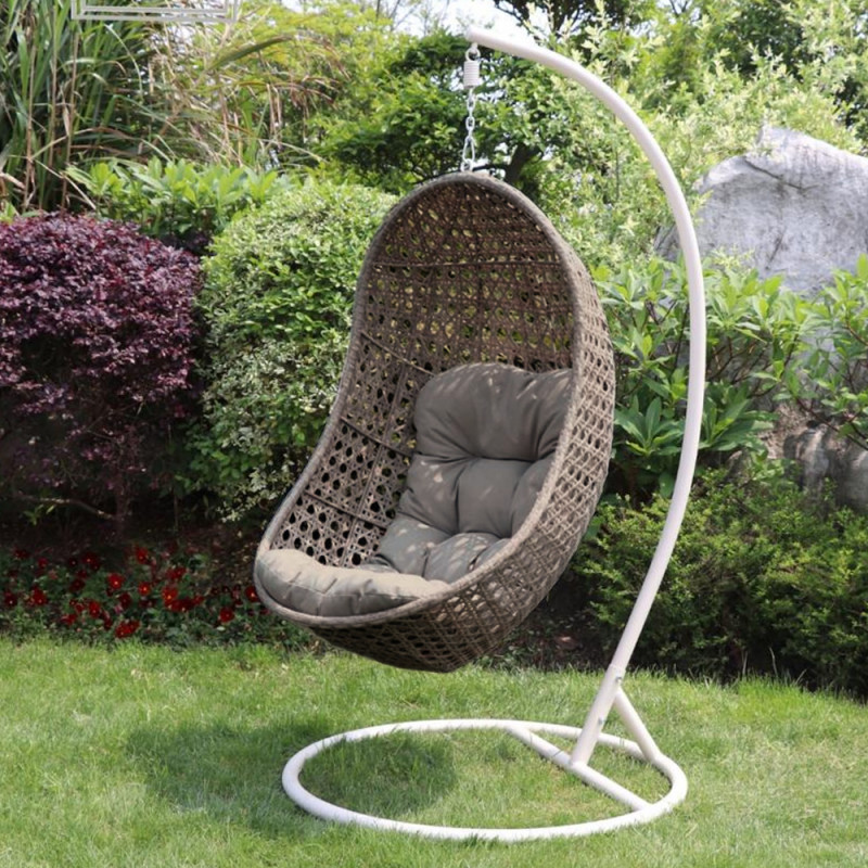 Single pod hanging chair natural