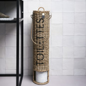 Rustic rattan toilettes