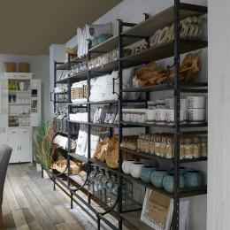Bowery cabinet