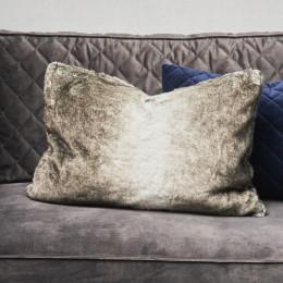 Magic faux fur pillow cover 65x45