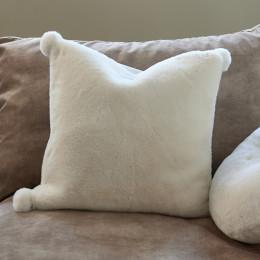 Cosy faux fur pillow cover 50x50