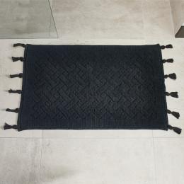 Bath mat pretty tassel