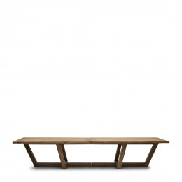 Tanjung outdoor dining table