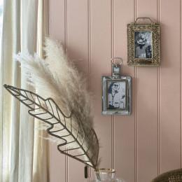 Rattan tropicana leaf decoration