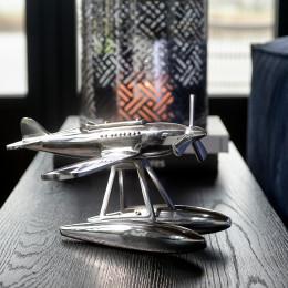 Rm seaplane statue