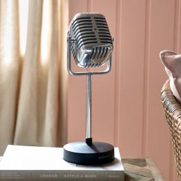 Rm microphone statue