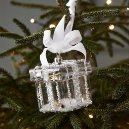 Glitter beads present ornament silver