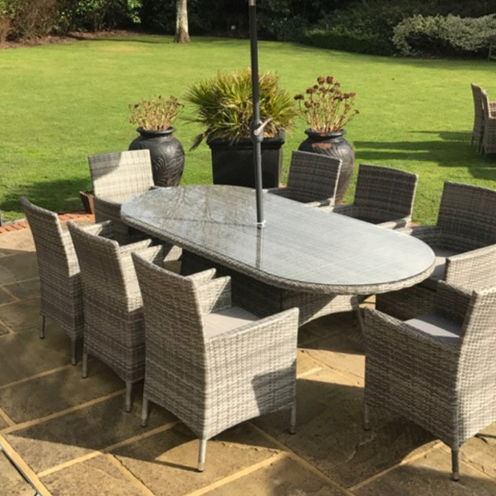 Dumont 8 seat set with oval table natural