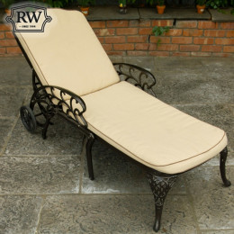 Lyon dark lounger