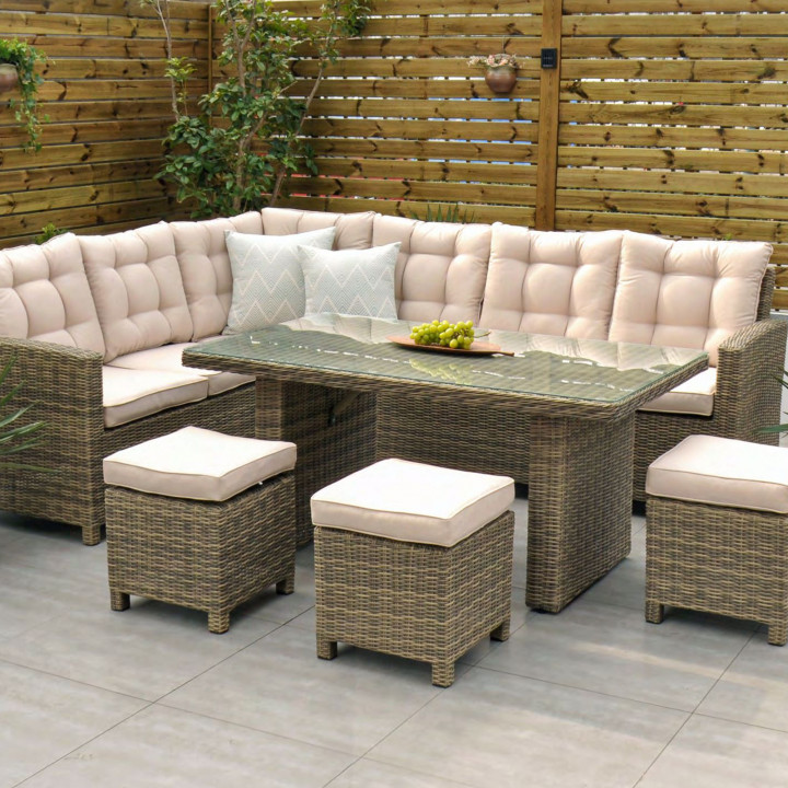Chester corner set with table