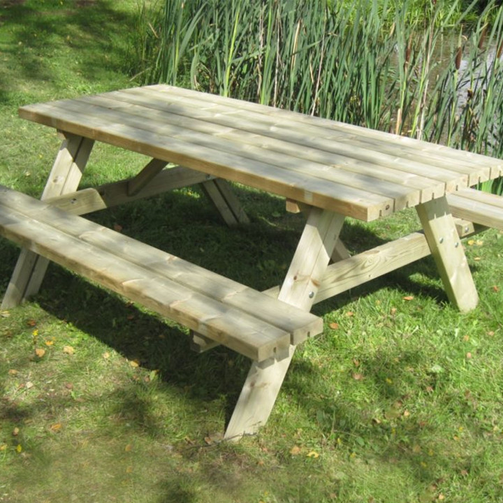 Wooden picnic bench 1 4m