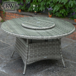 Round dining table 135cm